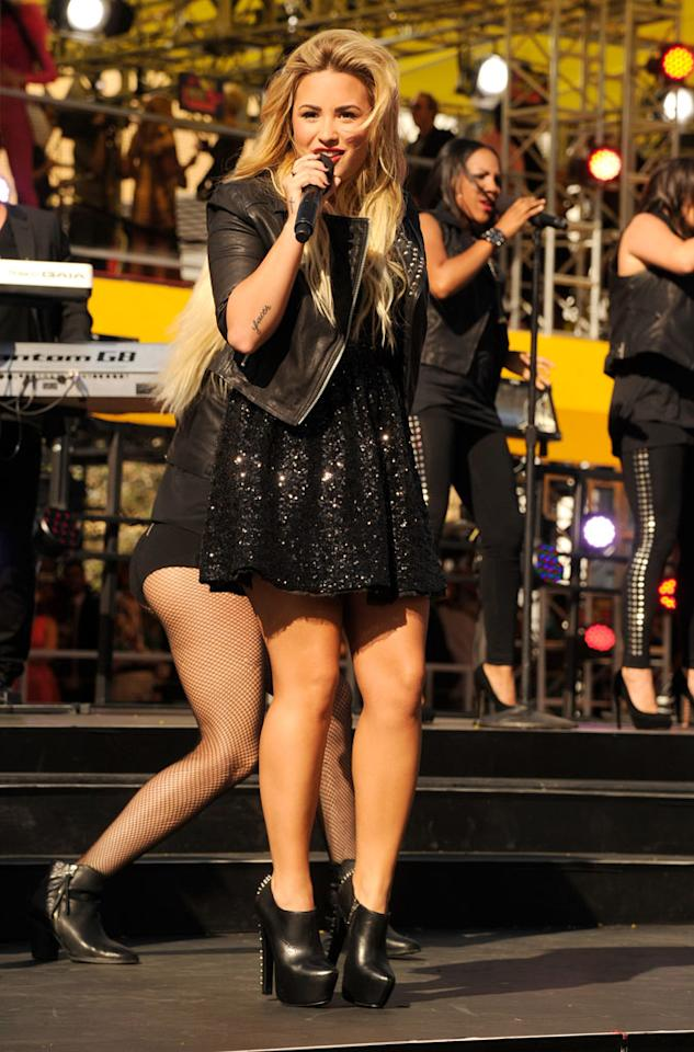 LOS ANGELES, CA - SEPTEMBER 06:  Demi Lovato performs at the 2012 MTV Video Music Awards at Staples Center on September 6, 2012 in Los Angeles, California.  (Photo by Kevin Mazur/WireImage)
