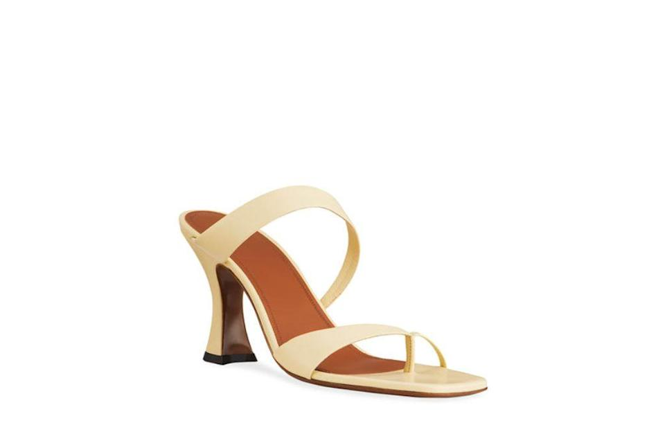 neous, sika toe ring sandals, big toe sandals