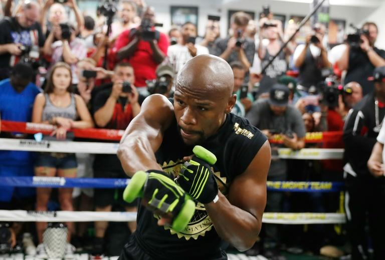 Floyd Mayweather Jr. holds a media workout at the Mayweather Boxing Club on August 10, 2017 in Las Vegas, Nevada