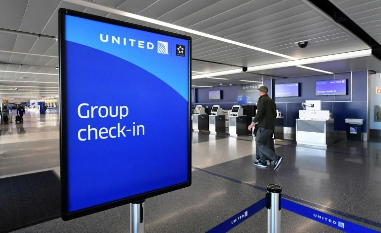 United Airlines plans layoffs if no more aid from Washington