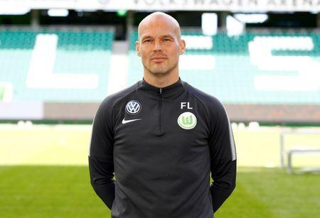 FILE PHOTO: Football Soccer - VfL Wolfsburg - German Bundesliga -Volkswagen Arena, Wolfsburg, Germany - September 13, 2017 SC Wolfsburg's assistant coach Fredrik Ljungberg. REUTERS/Hannibal Hanschke