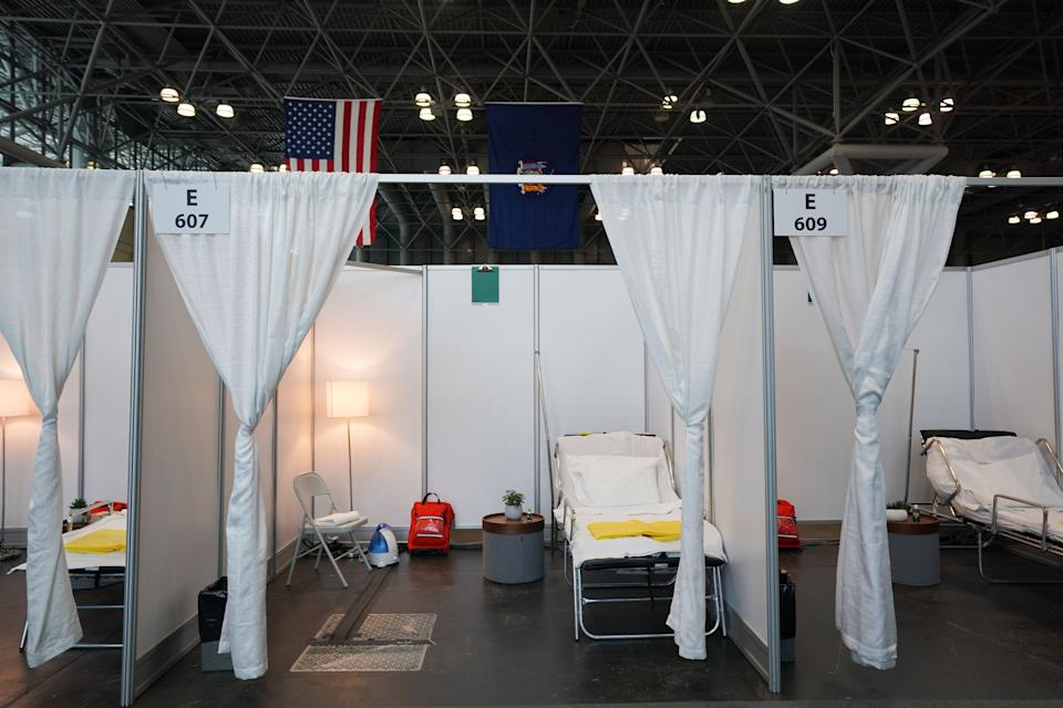 El hospital de campaña que se ha levantado en el interior del Centro de convenciones Jacob K. Javits de Nueva York. (Foto: Bryan R. Smith / AFP / Getty Images).