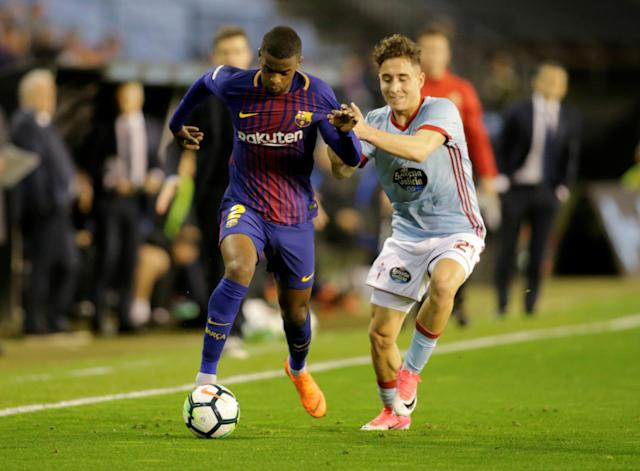 Soccer Football - La Liga Santander - Celta Vigo vs FC Barcelona - Balaidos, Vigo, Spain - April 17, 2018 Barcelona's Nelson Semedo in action with Celta Vigo's Emre Mor REUTERS/Miguel Vidal