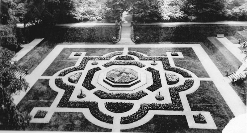 A an old picture of the garden at Gawthorpe Hall (SWNS)
