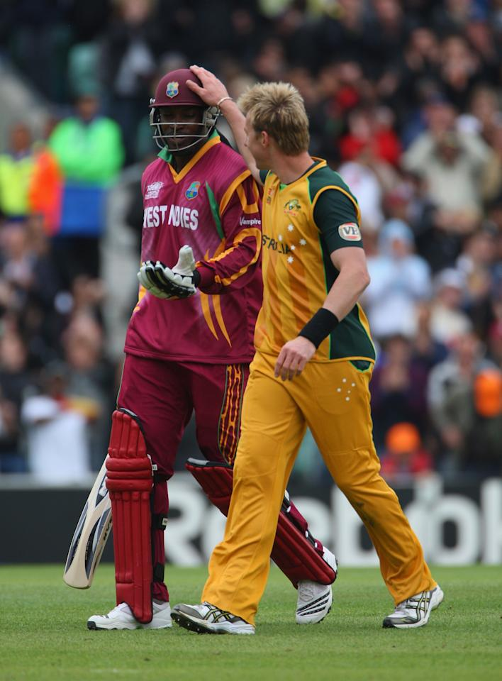 LONDON, ENGLAND - JUNE 06:  Chris Gayle of the West Indies is congratulated by Brett Lee of Australia  during the ICC Twenty20 World Cup match between  Australia and West Indies at The Brit Oval on June 6, 2009 in London, England.  (Photo by Tom Shaw/Getty Images)