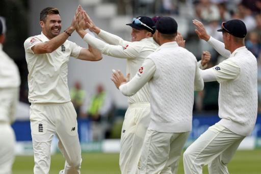Anderson struck twice to take his tally of Test wickets at Lord's to 101