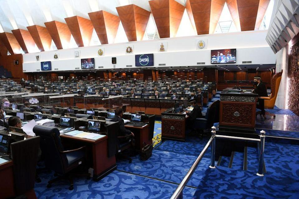 Perikatan Nasional's Budget 2021 was passed in the Dewan Rakyat this evening following a voice vote.  — Bernama pic