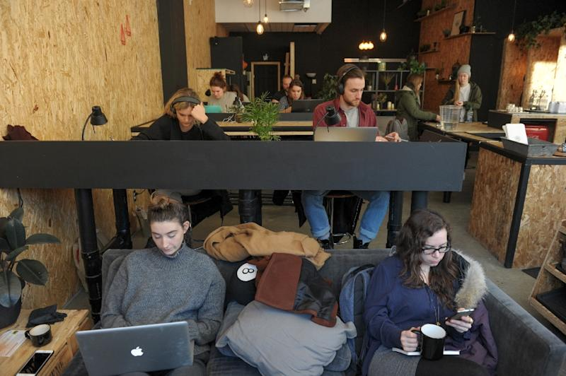 The GAB cafe in Montreal offers entrepreneurs a table, Internet access and the use of a printer (AFP Photo/Alice Chiche)