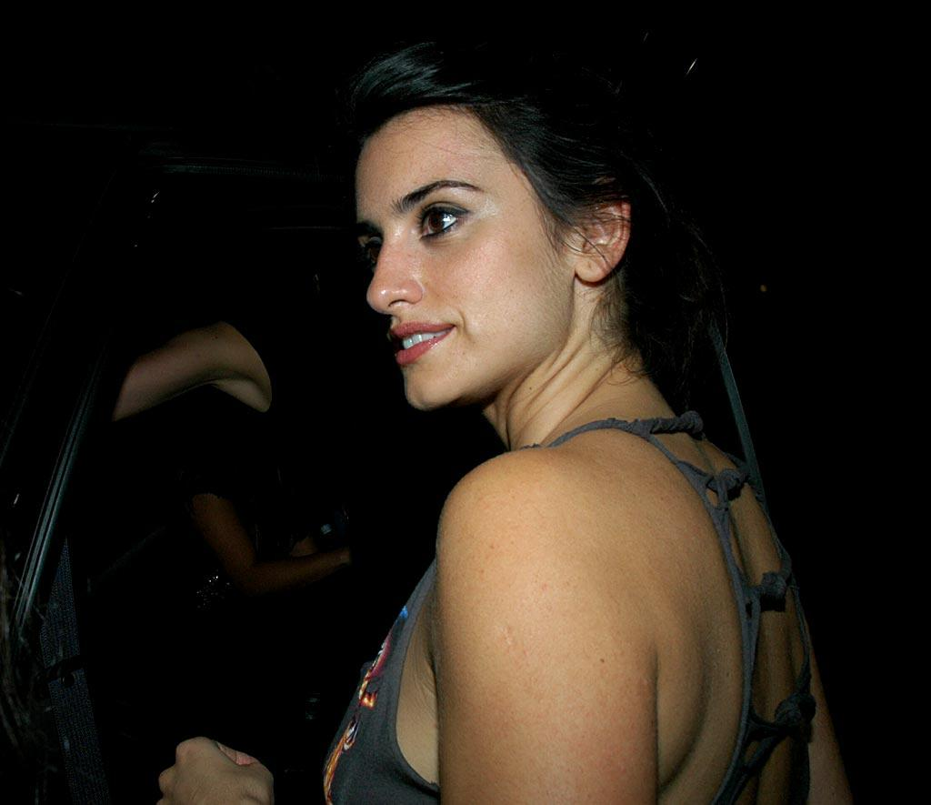 "Penelope Cruz outside Parc. G-Hollywood/<a href=""http://www.splashnewsonline.com"" target=""new"">Splash News</a> - June 9, 2007"