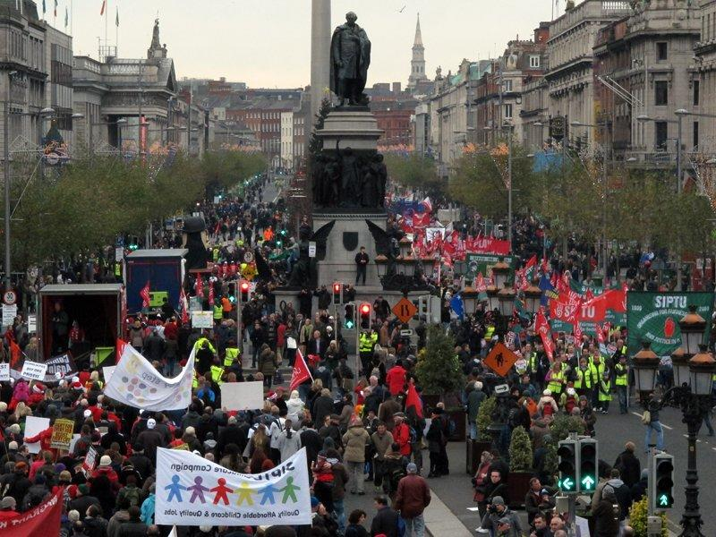 Thousands march against next Irish budget