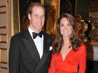"Kate Middleton, the Duke and Duchess of Cambridge, at a fundraising gala evening in aid of the Child Bereavement Charity, one of Prince William's charities at St James's Palace.<br/> <br/>   <a rel=""nofollow"" href='http://www.pheedcontent.com/hostedMorselClick.php?hfmm=v3:7961ce6e2763d85ad84e3d3188483f98:ffAjpqzJnoiqZX4pzZq6bxY7wybfuudaJwmj%2FYMw9HvQyEcKJUxR7mfjswYwom%2B7zQL77ifeYVfkNQ%3D%3D'><img src='http://images.pheedo.com/images/mm/emailthis.png'  width=""150"" border='0' title='Email this Article' alt='Email this Article' /></a>   <a rel=""nofollow"" href='http://www.pheedcontent.com/hostedMorselClick.php?hfmm=v3:794a98773fc5a46773bfa10df8f8ba0d:GnGtddjkuO0VNbveFDFi2FfcLgNNCfWhGJID0GwuNhjA0fOphZ%2F8KstsVHD4qDjCpphPEp7hD8%2Fl0iU%3D'><img src='http://images.pheedo.com/images/mm/twitter.png'  width=""150"" border='0' title='Add to Twitter' alt='Add to Twitter' /></a>   <a rel=""nofollow"" href='http://www.pheedcontent.com/hostedMorselClick.php?hfmm=v3:32845f7322b3b8e240751d930cf84ebc:bDaz5Ss6QmeXev8BFvrjjO8%2FbuGB7TjeR7nhtK5NT9ffm%2B%2FUFsoWGkfCZYthP%2B6vh%2Fu6xaIz6r%2FUO3Q%3D'><img src='http://images.pheedo.com/images/mm/facebook.gif'  width=""150"" border='0' title='Add to Facebook' alt='Add to Facebook' /></a>   <a rel=""nofollow"" href='http://www.pheedcontent.com/hostedMorselClick.php?hfmm=v3:0f9fc19680e33f2b5ebfeeba9464304d:lMFVAhiZzeHUHfX5XYci8tfcAQrjILo%2BrV3zUWrvMwrFzpN3uX%2BWwIdKTtO88t3D8SE6uiOSszjXqg%3D%3D'><img src='http://images.pheedo.com/images/mm/digg.gif'  width=""150"" border='0' title='Add to digg' alt='Add to digg' /></a>   <a rel=""nofollow"" href='http://www.pheedcontent.com/hostedMorselClick.php?hfmm=v3:35cb5af7bcde29cfb86cd0c17c3e2b00:OWjW%2F0A646puPWvUeCBexInjZ3BTWmKCo%2Fh2wXglgatKSKHyJt84ZQ7SI%2Be7ZAydNcIhZoY2j48fQQ%3D%3D'><img src='http://images.pheedo.com/images/mm/reddit.png'  width=""150"" border='0' title='Add to Reddit' alt='Add to Reddit' /></a>   <a rel=""nofollow"" href='http://www.pheedcontent.com/hostedMorselClick.php?hfmm=v3:2cfe21cf250e162dc721a2bf5a471504:cG1lj2bd8IeZ66eCz6auhOZx4M%2FoaS7%2FdwfMFsS28gSxuDxdOE6w2lEOwq0yd%2BIl2TuVcyA8lgnOaXg%3D'><img src='http://images.pheedo.com/images/mm/stumbleit.gif'  width=""150"" border='0' title='Add to StumbleUpon' alt='Add to StumbleUpon' /></a> <br/> <a rel=""nofollow"" href=""http://ads.pheedo.com/click.phdo?s=94a4a847d712c5e7db0914293f0e7f0c&p=1""><img src=""http://ads.pheedo.com/img.phdo?s=94a4a847d712c5e7db0914293f0e7f0c&p=1""  width=""1"" height=""1"" alt="""" border=""0"" /></a> <img src=""http://segment-pixel.invitemedia.com/pixel?code=News&partnerID=167&key=segment""  alt="""" height=""0"" width=""0"" border=""0"" /><img src=""http://pixel.quantserve.com/pixel/p-8bUhLiluj0fAw.gif?labels=pub.26118.rss.News.35321,cat.News.rss""  alt="""" height=""0"" width=""0"" border=""0"" /><img src=""http://amch.questionmarket.com/adsc/d887846/17/909940/adscout.php""  alt="""" height=""0"" width=""0"" border=""0"" />"