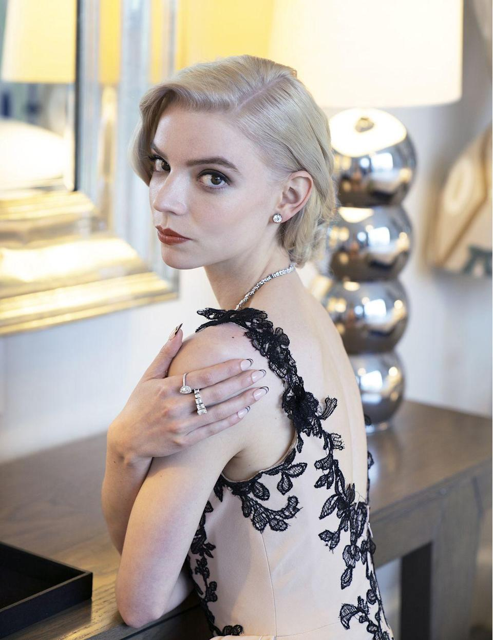 <p>SAG Award winner Anya Taylor Joy wore almost £600,000-worth of diamond jewellery from Tiffany & Co. She accessorised her delicate Vera Wang dress with a radiant necklace featuring more than 70 mixed-cut diamonds, plus a pair of diamond earrings and a selection of rings. </p>