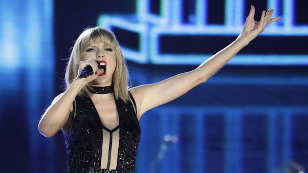 Taylor Swift's Lover Fest To Be Rescheduled Amid Coronavirus Outbreak