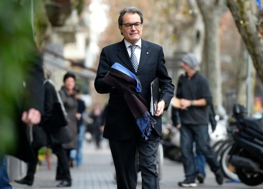 Catalonia's separatist leader 'ready' to call fresh elections