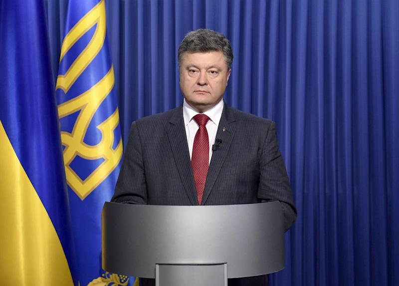 Ukrainian President Petro Poroshenko delivers an address to the nation on October 25, 2014 (AFP Photo/Mykola Lazarenko)