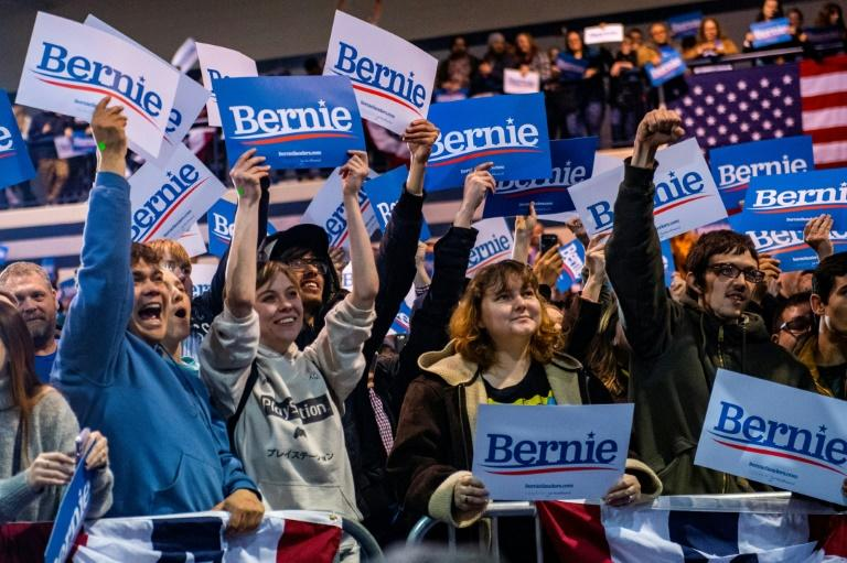 Des partisans de Bernie Sanders assistent à un de ses meetings à Virginia Beach, le 29 février 2020