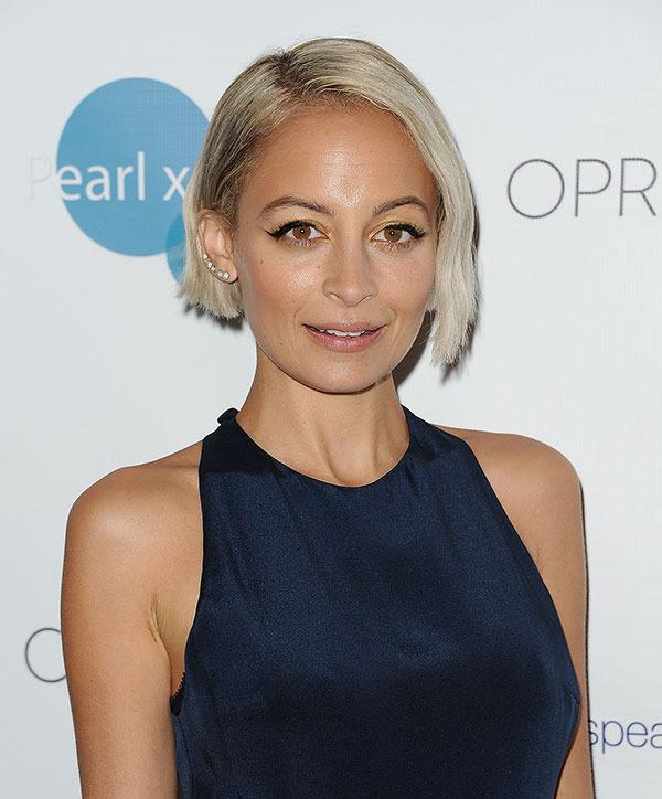 <br>Nicole has gone for a chic, platinum blonde bob!