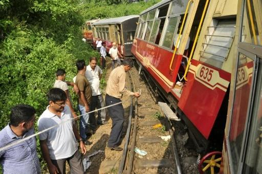 Two Britons killed after train derails in northern India