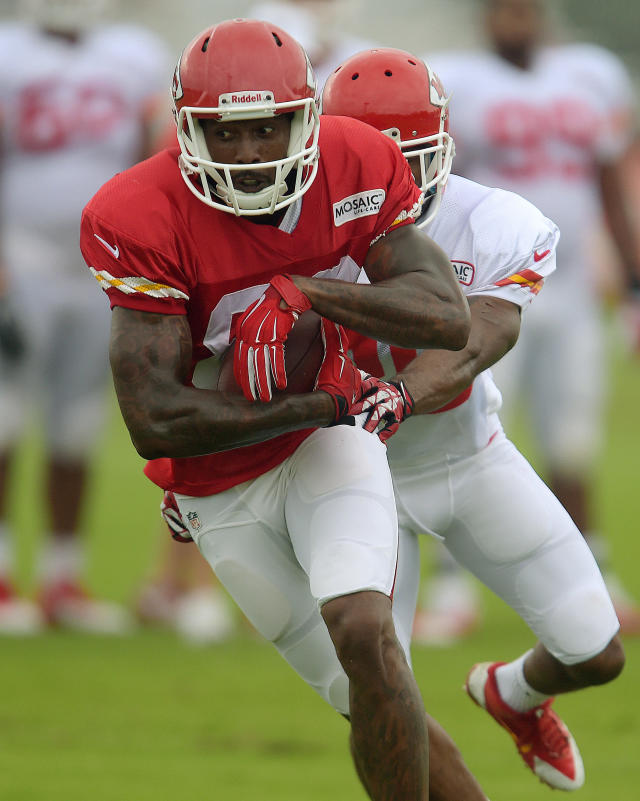 Kansas City Chiefs receiver Dwayne Bowe (82) makes a reception during practice Sunday morning, Aug. 10, 2014, on the Missouri Western State University campus in St. Joseph. Mo. (AP Photo/St. Joseph News-Press, Todd Weddle)