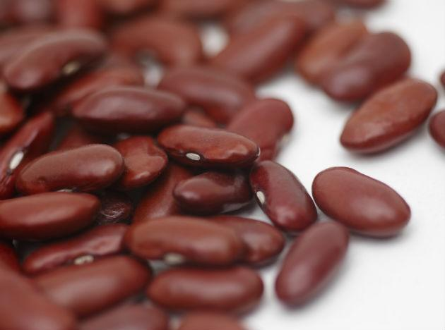 <b>Beans</b>: Good for your heart, great for diabetes! These natural wonders are packed with soluble fibre, which fills you up and insoluble fibre which helps lower your cholesterol. Proteins, carbohydrates, magnesium, potassium! You name it, this super food has it. The recommended intake is 3 cups weekly.