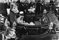 <p>The couple's carriage drove along Fleet Street on their way to Buckingham Palace.</p>