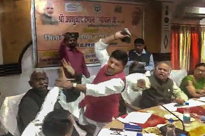 Can Brahmins Spell Trouble for BJP in UP? MP-MLA Shoe Spat Exposes 3-Decade-Old Upper Caste Rift