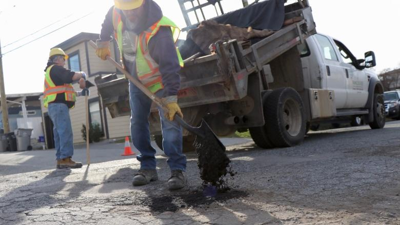 Pothole repair season starts early in Vancouver