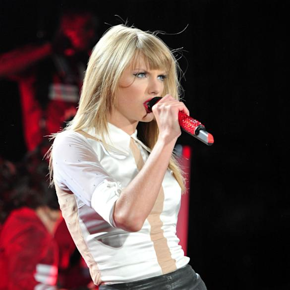 Look Away, Harry Styles! Taylor Swift Says 'I Hope You Cry' In New Leaked Song 'Revenge' (LISTEN)
