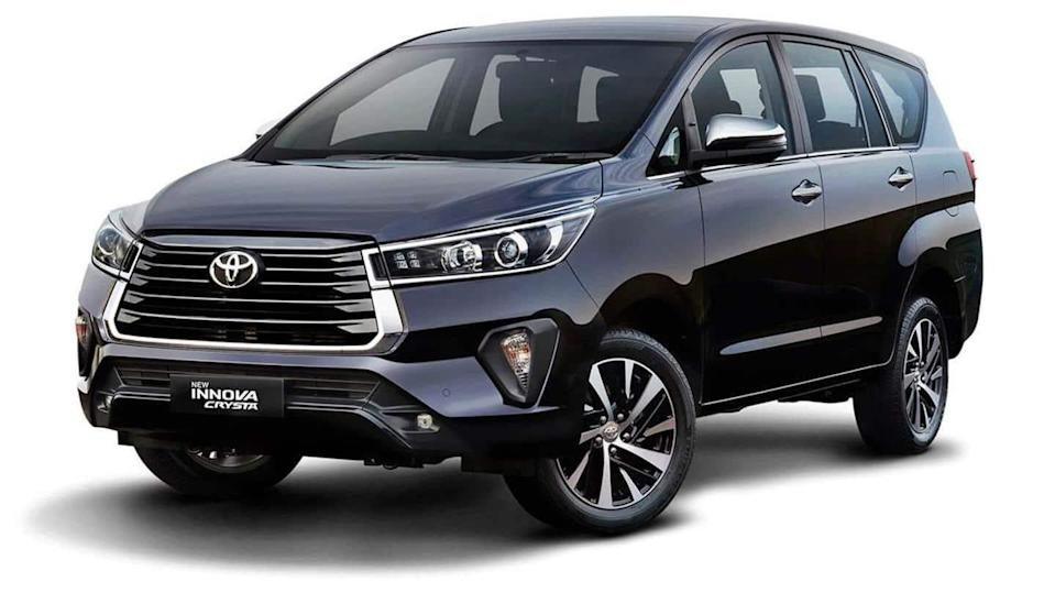 Toyota launches Innova Crysta (facelift) MPV at Rs. 16.26 lakh