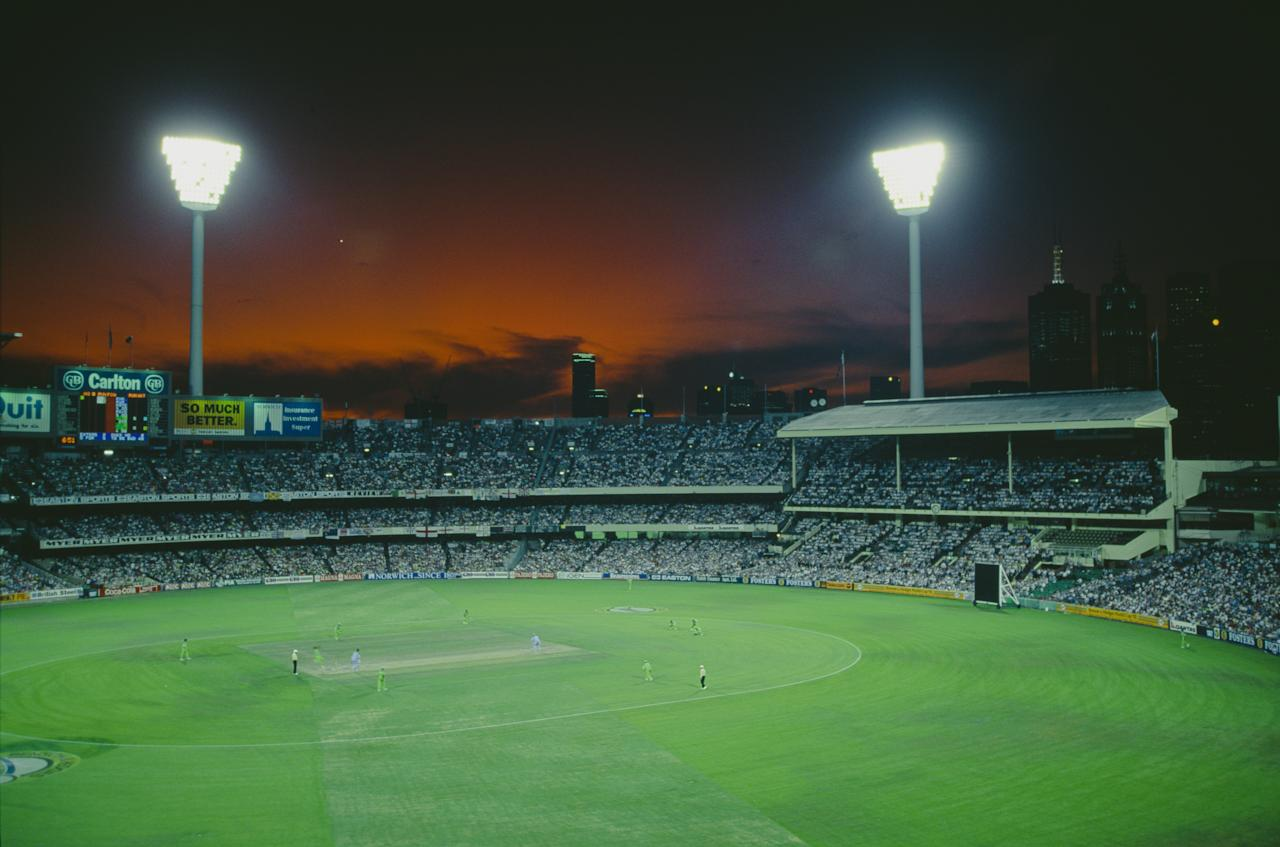 A view of Melbourne Cricket Ground during the Cricket World Cup final between England and Pakistan, Melbourne, Australia, 25th March 1992. Pakistan won the match by 22 runs.  (Photo by Adrian Murrell/Getty Images)