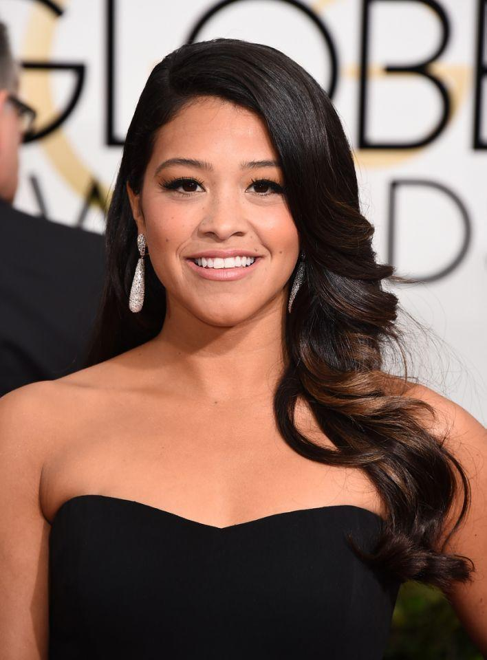 <p>Nothing beats Rodriguez's cascading waves from the Golden Globes. <i>(Photo: Getty Images)</i></p>