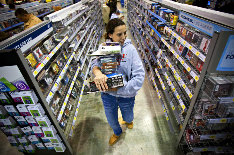 US economy gets lift from consumers, businesses