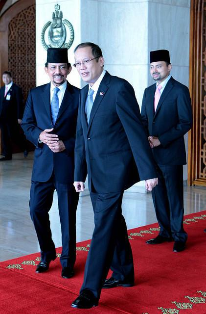 ilippine President Benigno Simeon Aquino III is welcomed by His Majesty Sultan Haji Hassanal Bolkiah Mu'izzadin, Sultan and Yang Di-Pertuan of Brunei Darussalam and His Royal Highness Crown Prince Haji Al-Muhtadee Billah upon arrival at the main door of the Istana Nurul Iman palace, the official residence of the Sultan of Brunei and the seat of the Brunei government, for a two-day State Visit in Brunei. The two leaders are set to sign agreements on agriculture, shipping, sports and tourism. Diplomatic relations between the Philippines and Brunei Darussalam were established in January 1984 when the Philippine consulate general in Bandar Seri Begawan was elevated to an embassy.