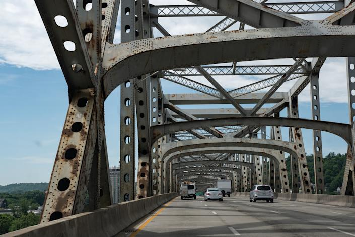 President Donald Trump promised to fix or build a new bridge to replace the Brent Spence Bridge between Ohio and Kentucky. He has done neither. (Photo: Jacqueline Nix via Getty Images)
