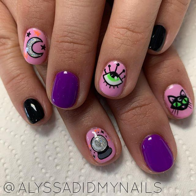 """<p>With a steady hand and some <a href=""""https://www.lookfantastic.com/rio-ultimate-nail-art-professional-artist-collection/10900033.html?affil=thgppc&switchcurrency=GBP&shippingcountry=GB"""" rel=""""nofollow noopener"""" target=""""_blank"""" data-ylk=""""slk:nail art pens,"""" class=""""link rapid-noclick-resp"""">nail art pens,</a> we reckon you're set to recreate these at home.</p><p><a href=""""https://www.instagram.com/p/B3eYJc1grkg/"""" rel=""""nofollow noopener"""" target=""""_blank"""" data-ylk=""""slk:See the original post on Instagram"""" class=""""link rapid-noclick-resp"""">See the original post on Instagram</a></p>"""