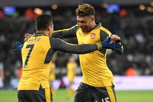 Steely Arsenal look to fight for Premier League title