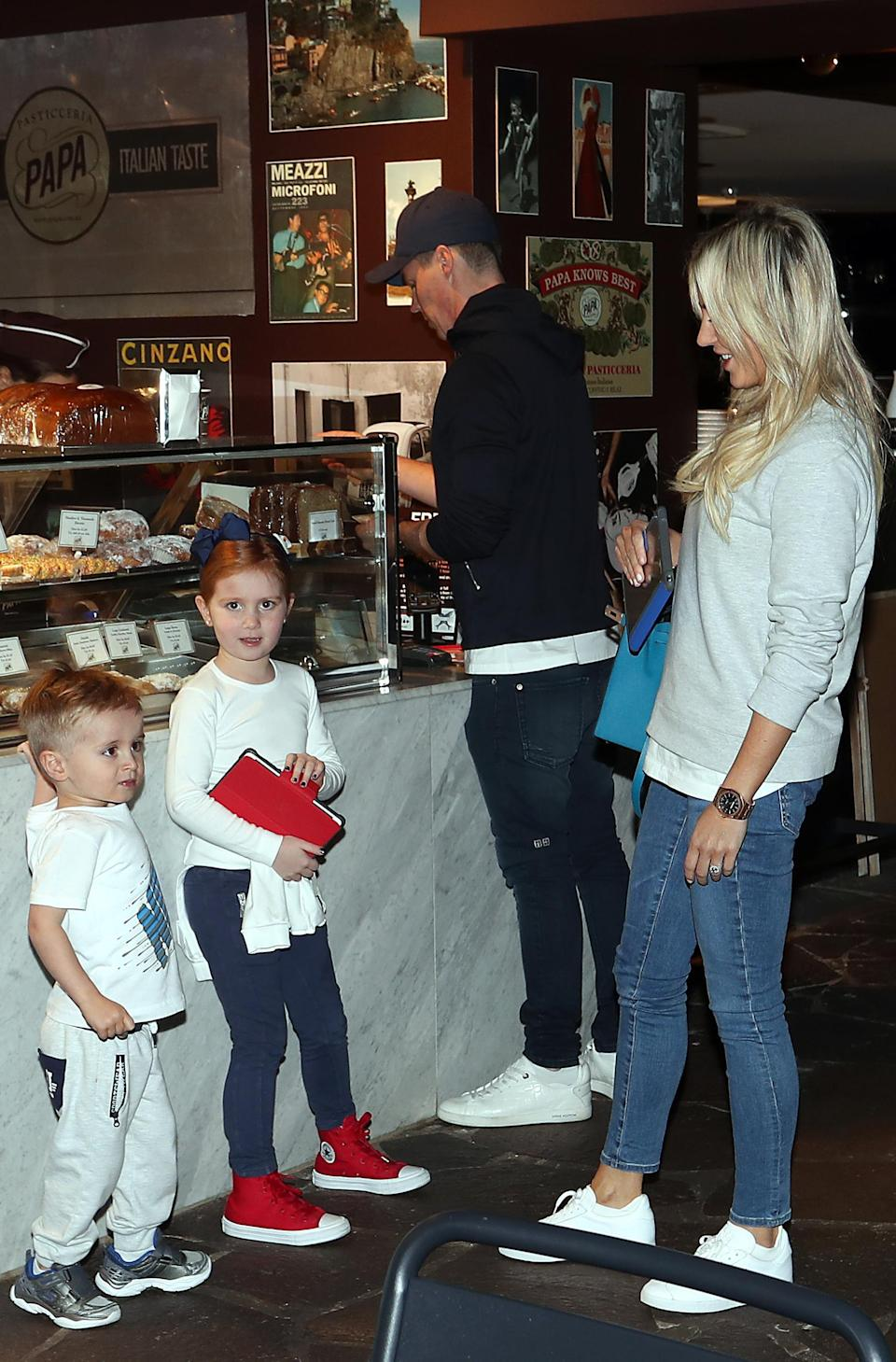 The whole family back together! Roxy and Oliver were out for dinner with their two children Pixie and three-year-old Hunter.