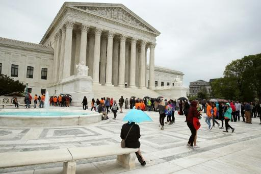 US Supreme Court to take up privacy case on cell phone data