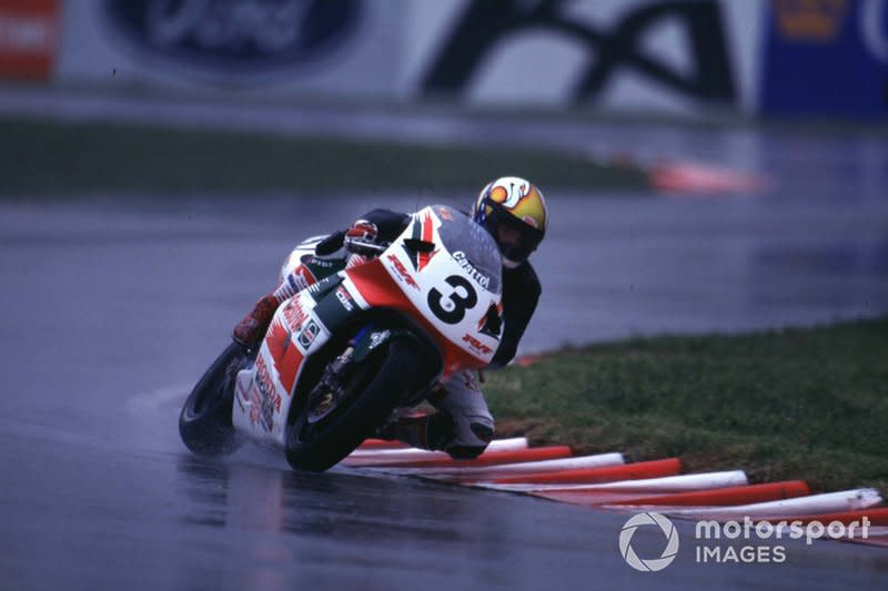 "Campeón WorldSBK 1997<span class=""copyright"">Gold and Goose / Motorsport Images</span>"