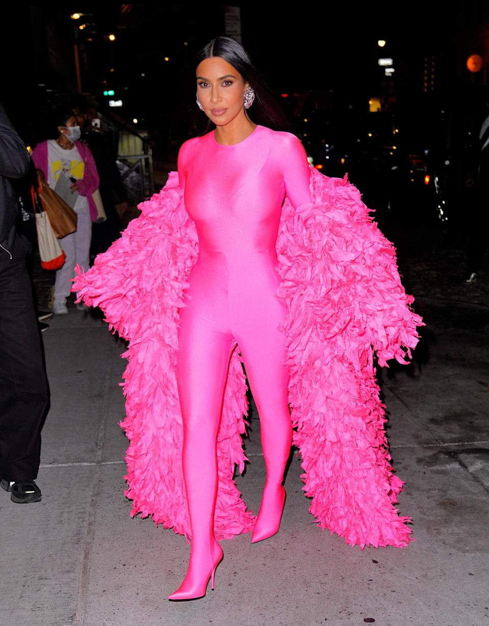 """<h1 class=""""title"""">Celebrity Sightings In New York City - October 10, 2021</h1><cite class=""""credit"""">Photo: Getty Images</cite>"""
