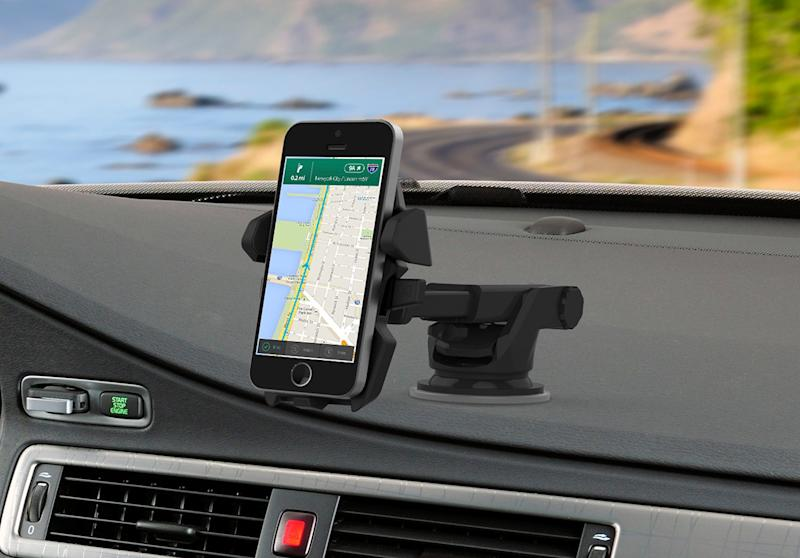 Save 23 percent on this smartphone car mount. (Photo: Amazon)