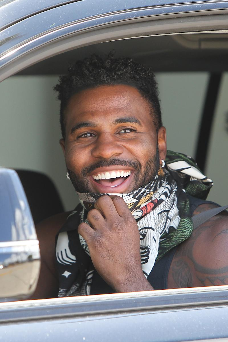 Jason Derulo Shows Off Perfect Looking Teeth After Crazy Corn On The Cob Stunt (SplashNews.com)