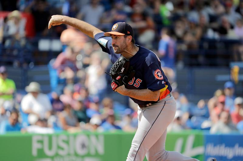 Houston Astros pitcher Justin Verlander throws during the first inning of an exhibition spring training baseball game against the New York Mets Saturday, March 2, 2019, in Port St. Lucie, Fla. (AP Photo/Jeff Roberson)