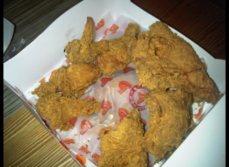 "A Baltimore man was eating <a href=""http://www.wbaltv.com/r/2512486/detail.html"" target=""_hplink"">fried chicken from Popeye's in September 2003</a> when he discovered that the fast food store had inadvertently fried a mouse along with the chicken parts."