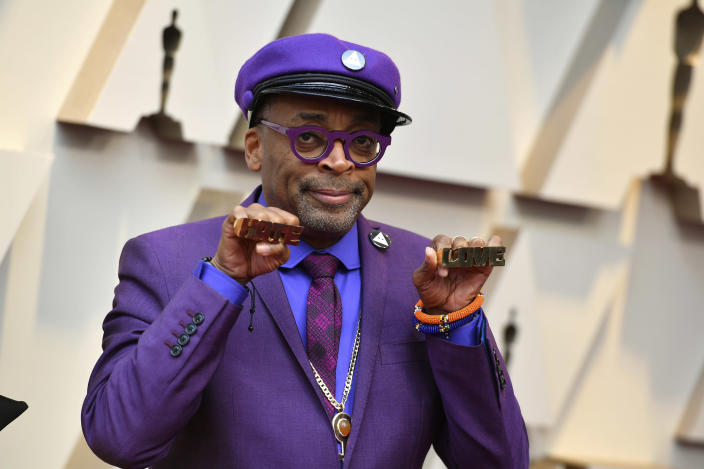 Spike Lee arrives at the Oscars at the Dolby Theatre in Los Angeles. (Photo: Jordan Strauss/Invision/AP)