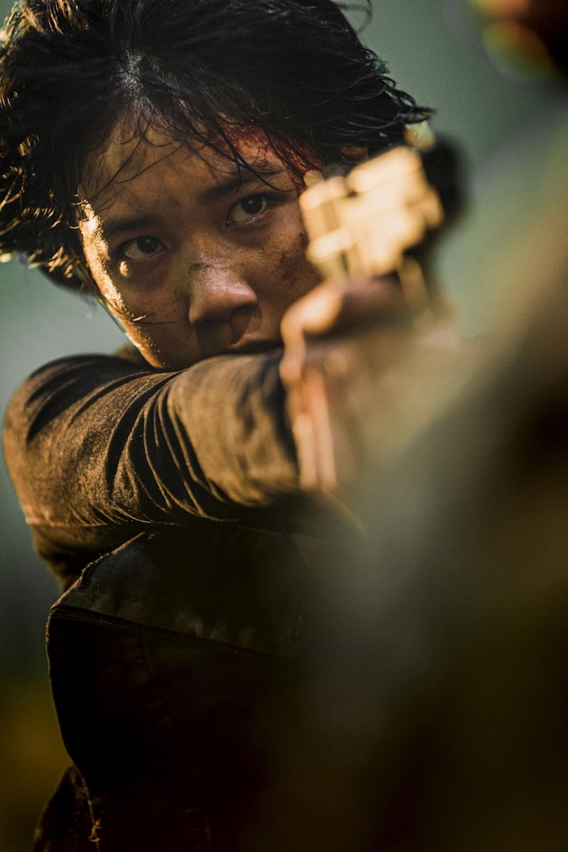 Jooni (Lee Re) is prepared to fight in Train To Busan: Peninsula. (PHOTO: Golden Village Pictures)