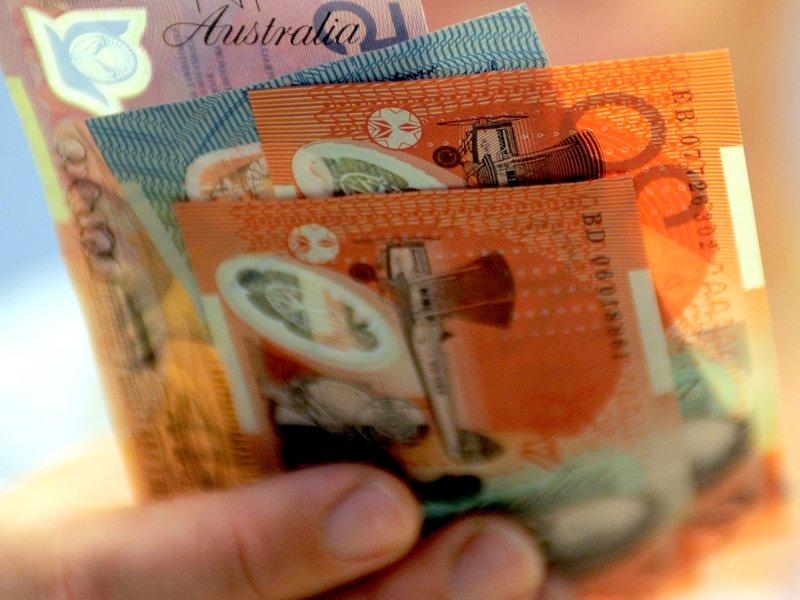 Hourly pay rates up 0.7% in Sept qtr