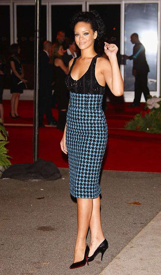 "Rihanna looks sweet yet sexy in her houndstooth dress and black pumps. Jean Baptiste Lacroix/<a href=""http://www.wireimage.com"" target=""new"">WireImage.com</a> - July 22, 2007"
