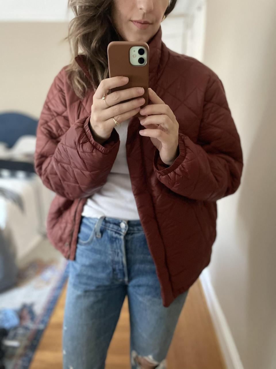 """<p><strong>The item:</strong> <span>Old Navy Lightweight Diamond-Quilted Nylon Puffer Jacket</span> (Sold Out)</p> <p><strong>What our editor said: </strong>""""This is such a classic fall look that I can get used to wearing daily. The jacket is nice and oversize, and has sort of a boxy cut. I liked wearing it with medium-rinse vintage jeans because I knew the rich copper color would really pop against the blue."""" - RB</p> <p>If you want to read more, here is the <a href=""""http://www.popsugar.com/fashion/best-puffer-jacket-from-old-navy-editor-review-48056533"""" class=""""link rapid-noclick-resp"""" rel=""""nofollow noopener"""" target=""""_blank"""" data-ylk=""""slk:complete review"""">complete review</a>.</p>"""