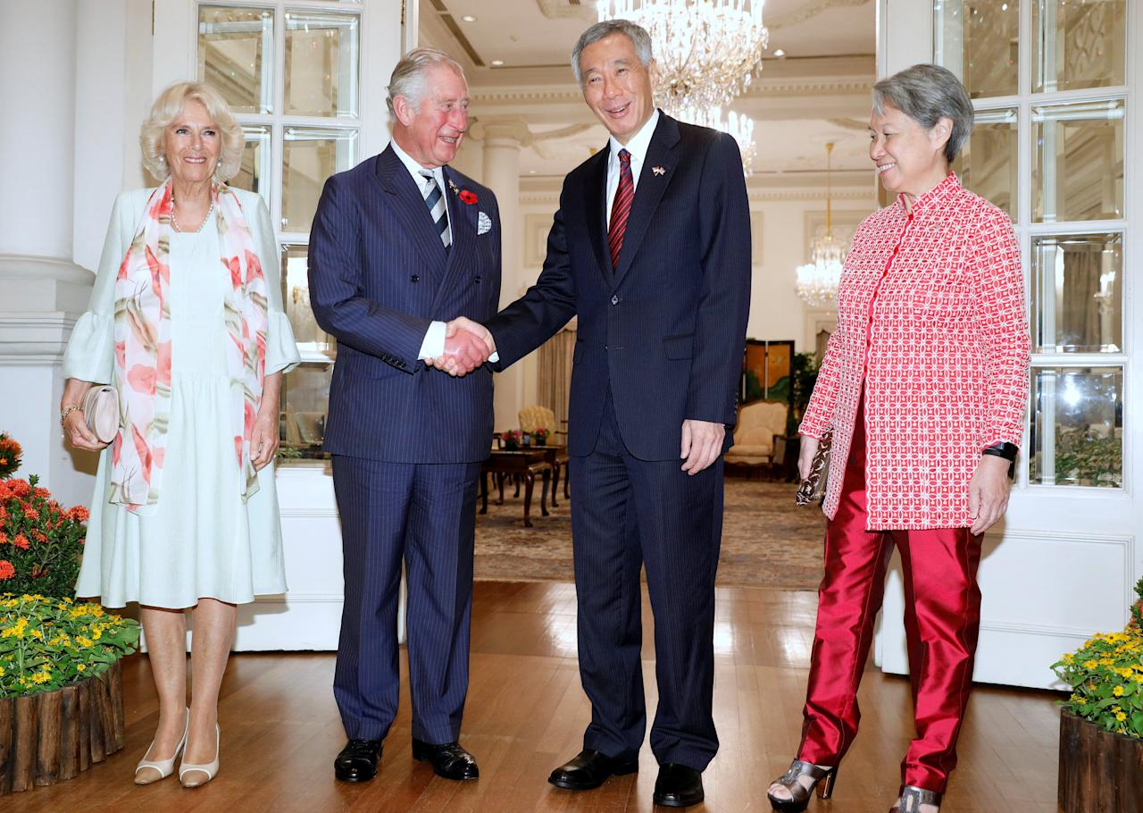 Britain's Prince Charles and Camilla, Duchess of Cornwall meet Singapore's Prime Minister Lee Hsien Loong and his wife Ho Ching at the Istana in Singapore October 31, 2017. REUTERS/Edgar Su